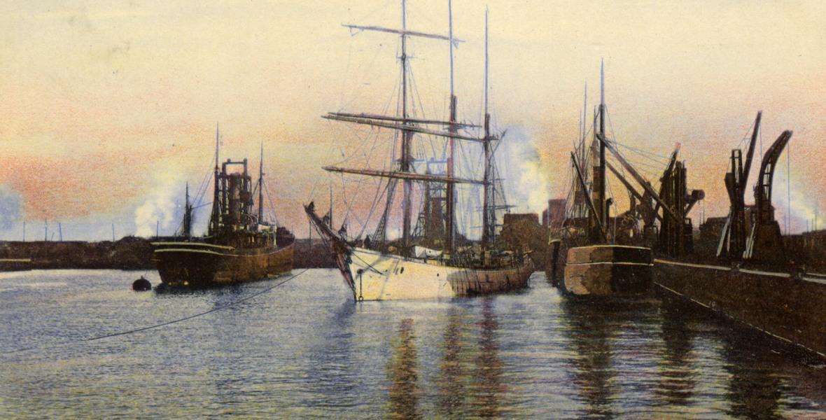Postcard image of Bo'ness docks